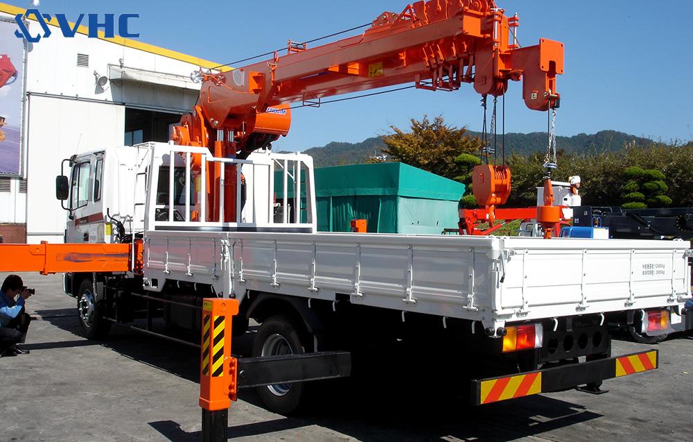 Những lưu ý để vận hành xe tải gắn cẩu tự hành an toàn