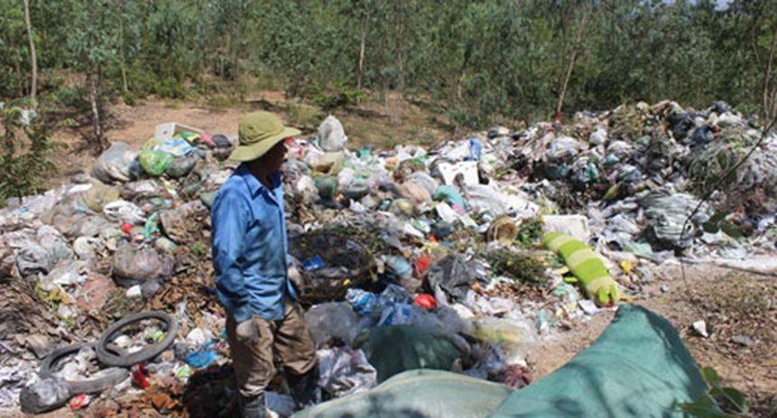 Thị xã Ninh Hòa đầy rác thải