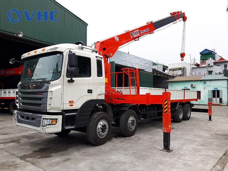 Xe cẩu tự hành 10 tấn Kanglim KS2605