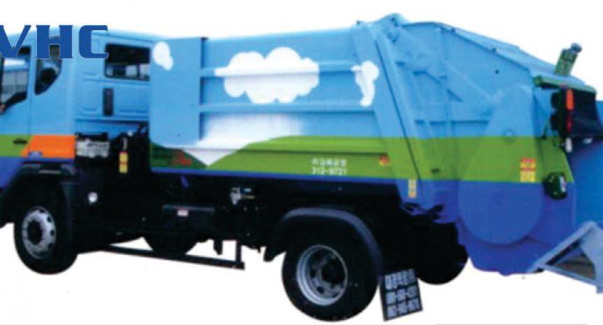 Xe thu gom rác trên đường DK Vina Motor