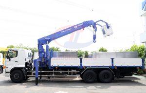 Cẩu tự hành 8-15 tấn Unic - Tadano